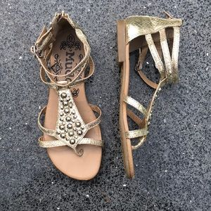 Mudd flat strappy thong sandals